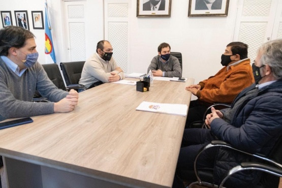 Luque se reunió con el referente de Empleados de Comercio