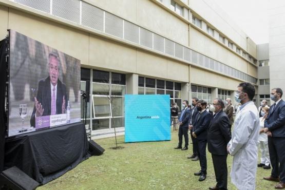 El Presidente encabezó la puesta en marcha del primer hospital público en Ituzaingó