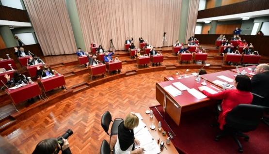 La renegociación de la deuda fue aprobada por mayoría parlamentaria