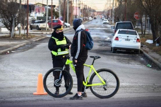Controles entre Tránsito Municipal y Policía en horarios no permitidos