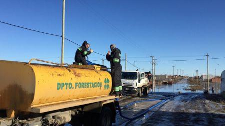 Vialidad Provincial realiza tareas de drenaje en el barrio San Benito
