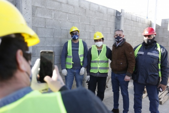Arcioni recorrió obras energéticas reactivadas que beneficiarán a 30 mil familias