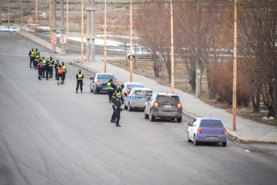 Tránsito Municipal y Policía Provincial realizan operativos simultáneos en varios puntos de la ciudad