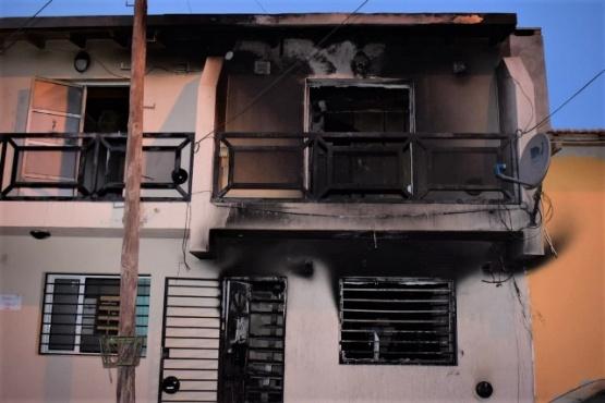 Incendio consumió un departamento