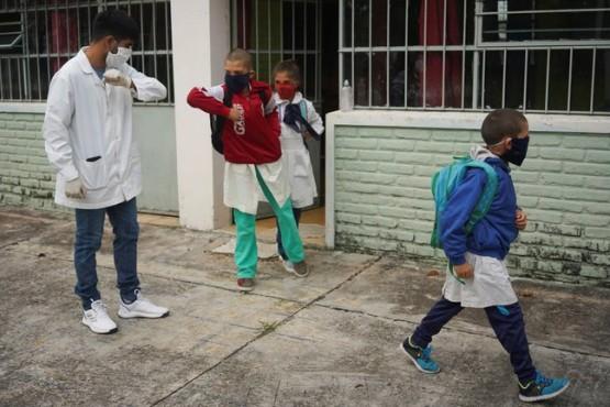 Cómo es el protocolo para el regreso a las aulas de más de 10 mil alumnos en San Juan