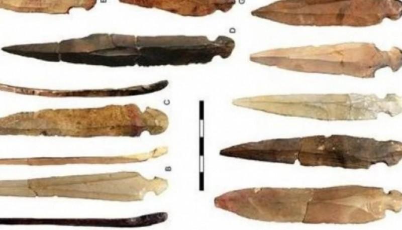 Hallaron cuchillos con más de 10 mil años de antigüedad usados para desmembrar cadáveres