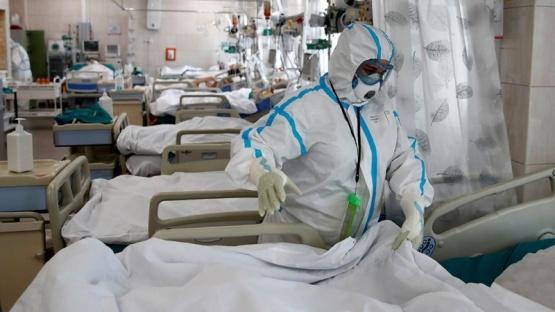 Una de cada dos personas internadas en terapia intensiva sobrevive