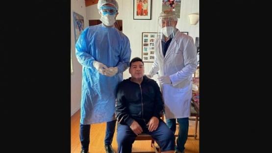 Maradona espera el resultado de su hisopado