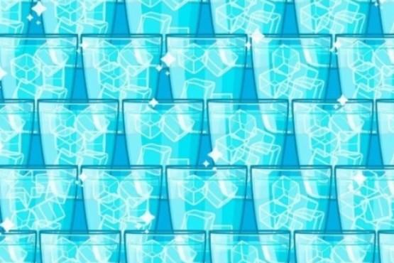 Reto viral: encontrar la estrella entre los vasos con hielos