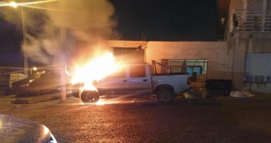 Prendieron fuego un auto en Comodoro Rivadavia