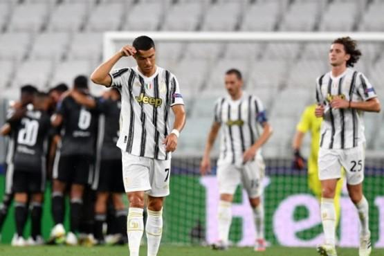Cristiano Ronaldo, decepcionado tras caer eliminado en octavos de la Champions (Getty)