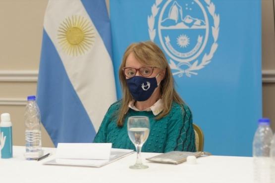 Alicia se reunió con el gabinete para analizar la situación y medidas a tomar