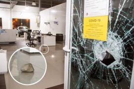 Delincuentes ingresaron a robar a Exposud S.A. Peugeot