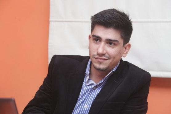 Víctor Robles es representante de Cristian Etchebarne.
