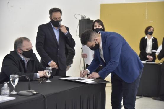 Firmaron convenio para trabajar sobre áreas afectadas por incendios