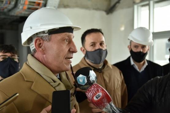Arcioni supervisó el avance de la obra del nuevo Hospital de Alta Complejidad