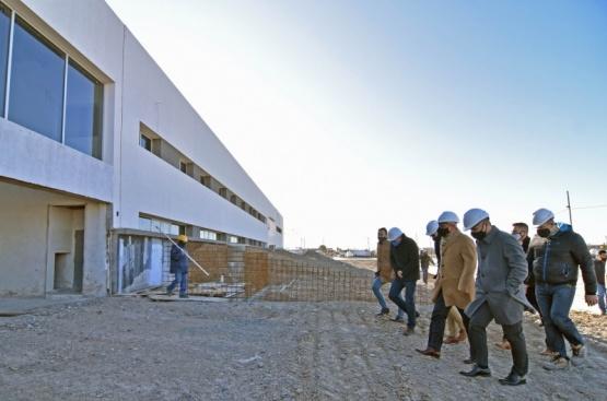 Arcioni y Maderna recorrieron la obra de la Estación Transformadora Nº 2