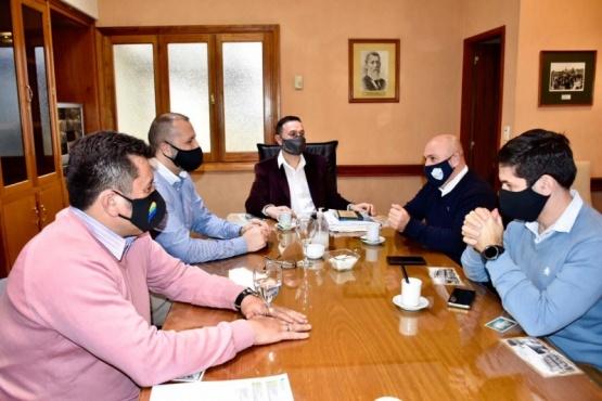 Maderna gestionó encuentro entre Sastre y Petrakosky
