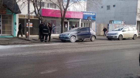 Se le prendió fuego el auto y un vecino sofocó el incendio (C:R)