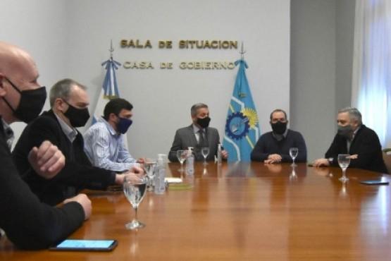 Arcioni recibió a intendentes de la Comarca Andina en Casa de Gobierno
