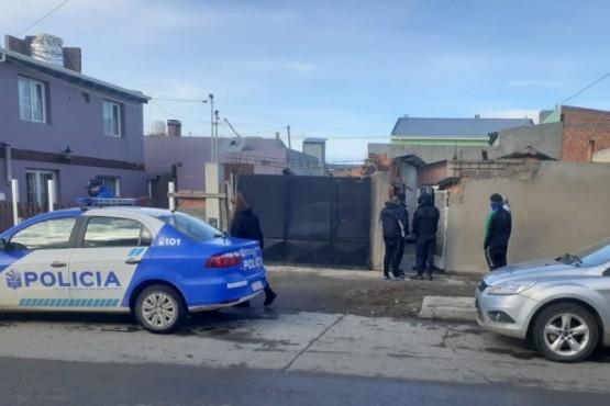Una de las viviendas allanadas por el personal de la Comisaría Cuarta.