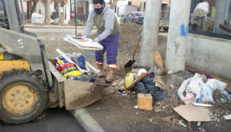 10 Acciones: Limpieza Urbana realiza operativo en el Barrio Del Carmen