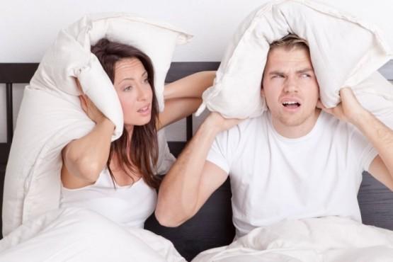 Les pidió a sus vecinos que no hicieran ruido al tener relaciones y la respuesta fue viral