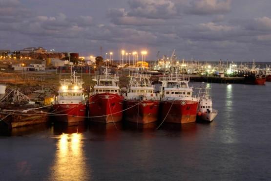 Tripulantes del pesquero Aresit permanecerán aislados y con custodia de Prefectura