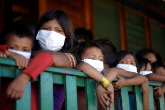 La OMS recomendó el uso de tapabocas en niños a partir de los 12 años