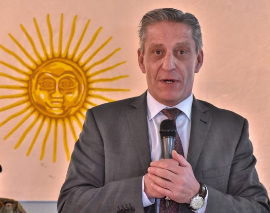 Arcioni anunció que antes de fin de año se iniciará la pavimentación de la ruta 260