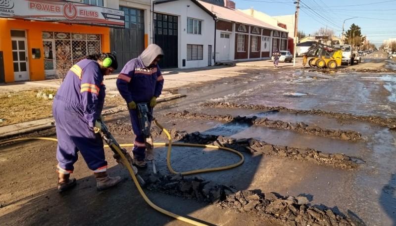 10 Acciones: comenzó la reparación de la calle Rawson