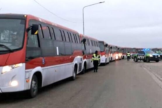 35 micros provenientes de Brasil con destino a Punta Arenas son escoltados por la ruta 3