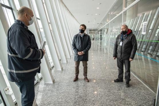 Luque evalúa el protocolo sanitario del Aeropuerto para cuando se reanuden los vuelos