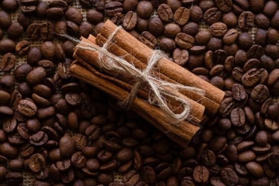 Bomba de café: la receta casera que acelera el crecimiento del cabello