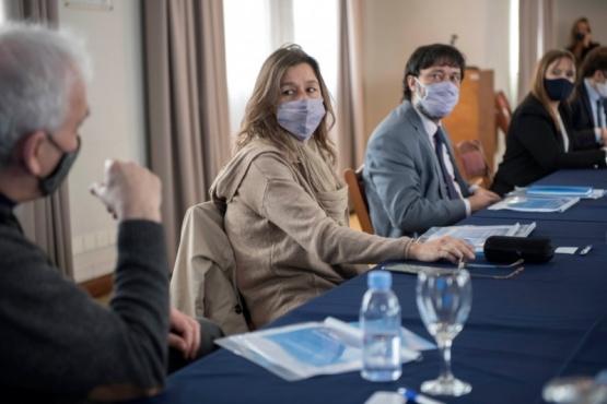 Ministros avanzan en el revelamiento territorial de las comunidades originarias