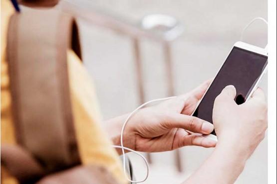 Aprobaron el uso de celulares durante las clases con fines pedagógicos