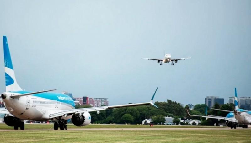 El ministro de Turismo adelantó que los vuelos de cabotaje podrían volver en octubre