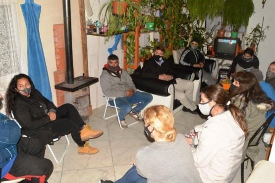 El intendente Biss se reunió con vecinos de Chacra 8