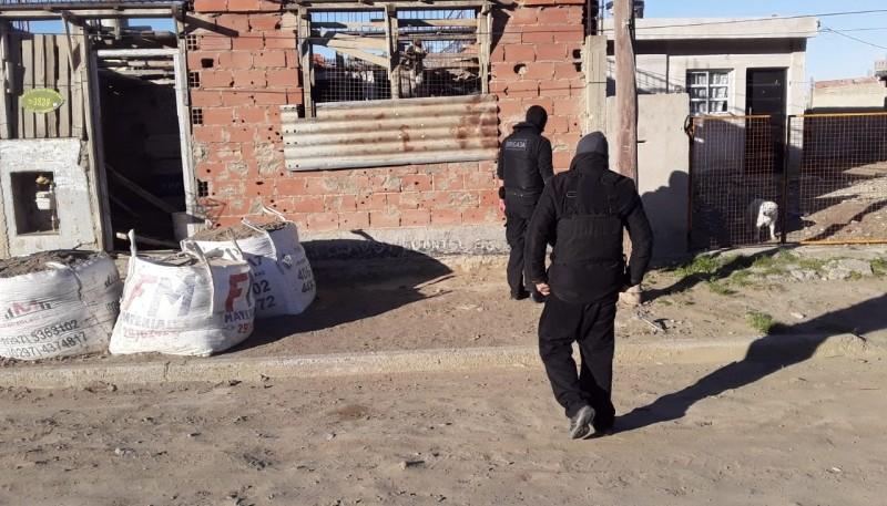 La policía secuestró armas de fuego durante allanamientos