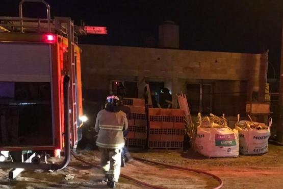 Durante la madrugada se incendió una vivienda en Fracción 15