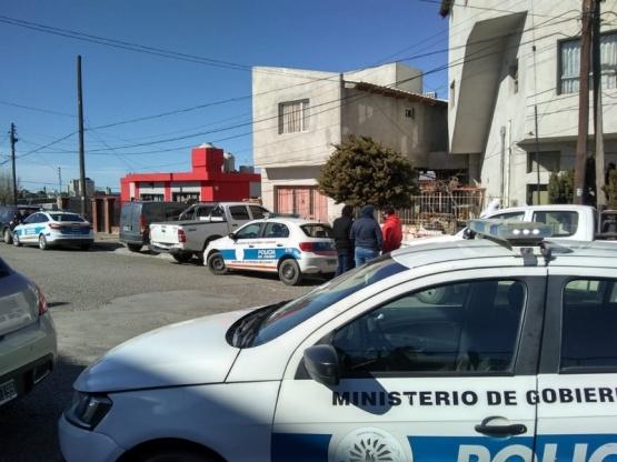 Presunto femicidio en el barrio Jose Fuchs en Comodoro