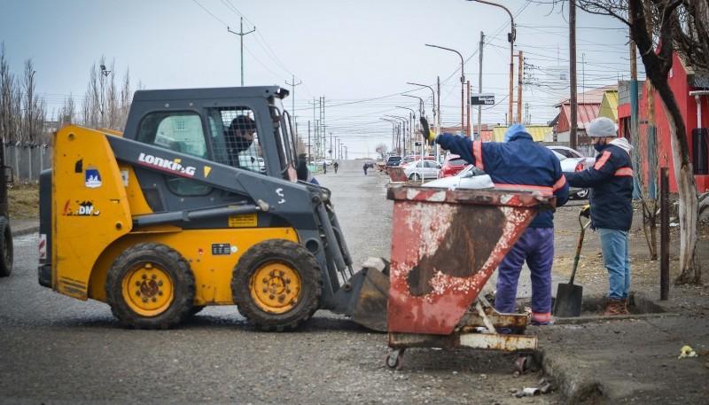 10 Acciones: Municipio continúa con el plan integral de limpieza en los barrios