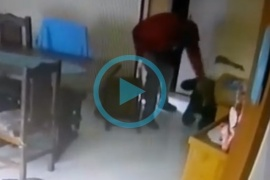 El video de la golpiza a una abuela en Río Gallegos para robarle una TV