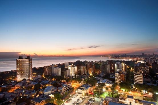 Uruguay: Analizan reabrir el turismo a extranjeros y dejar entrar en auto desde Argentina