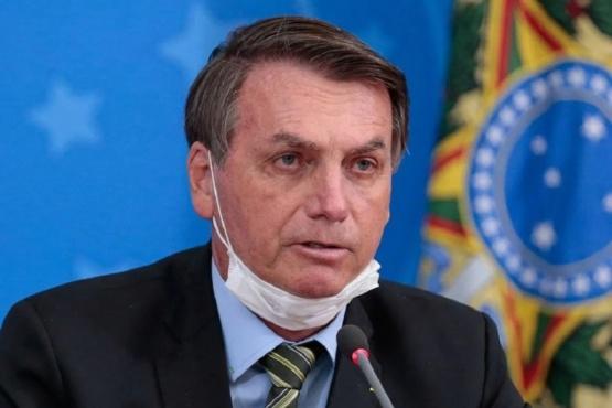 Bolsonaro le pidió a un nene que se saque el barbijo para saludarlo