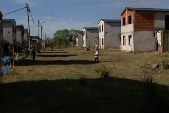 Tomaron 350 casas destinadas a familias que viven cerca del Riachuelo