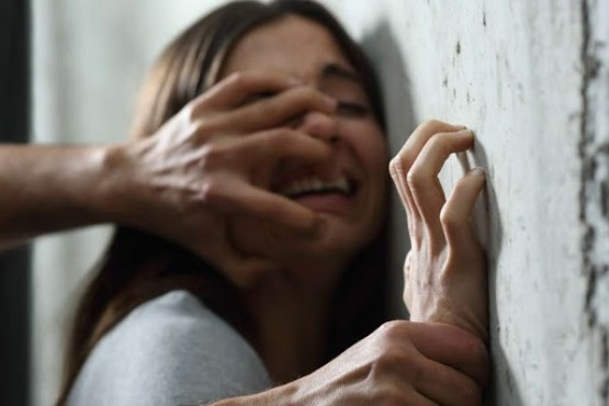 Una mujer habría sido abusada por su pareja