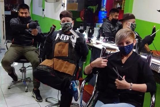 Se preparan para cortar solidariamente (Foto LVDS).