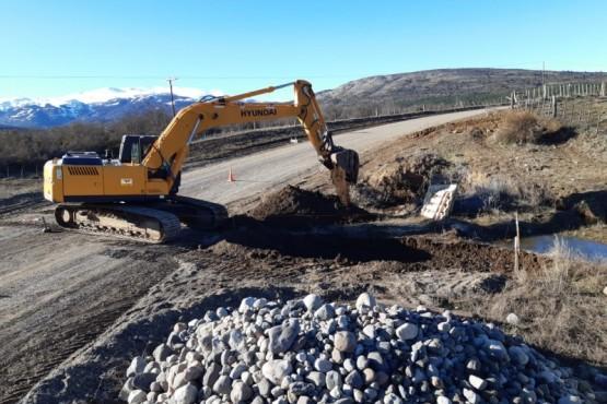 Vialidad Provincial realizó trabajos en la ruta Nº 17 entre Trevelin y Corcovado