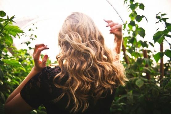 5 consejos para secar el pelo sin secador y dejarlo divino